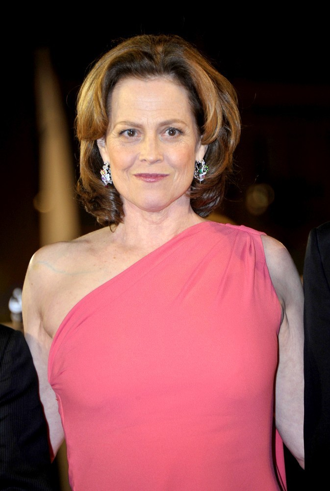 Sigourney Weaver Filmography And Biography On Movies Film: Sigourney Weaver Photos Photos