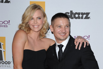 Charlize theron dating jeremy renner