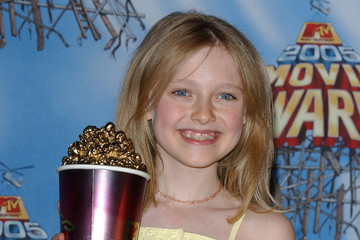 Dakota Fanning 2005 MTV Movie Awards - Press Room