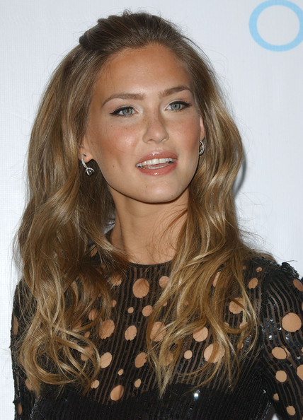 bar refaeli si. hairstyles Bar Refaeli was