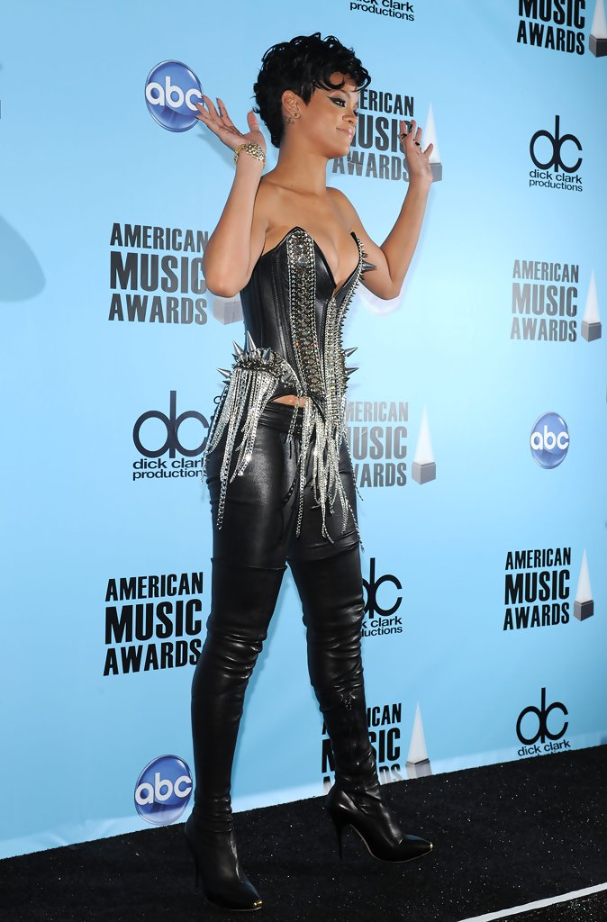 Rihanna in 2008 American Music Awards - Press Room