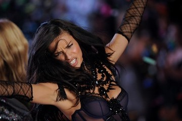 Adriana Lima 2011 Victoria's Secret Fashion Show