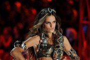 Izabel Goulart walks the runway at the 2012 Victoria's Secret Fashion Show..Lexington Avenue Armory, New York, NY..November 7, 2012..Job: 121107A5..(Photo by Axelle Woussen/Bauer-Griffin).