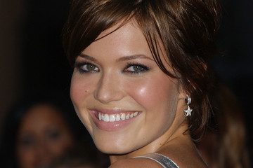 Mandy Moore 32nd Annual American Music Awards - Arrivals