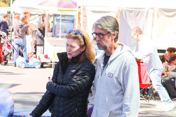 Alan Ruck Mireille Enos And Alan Ruck At The Farmer's Market In Studio City