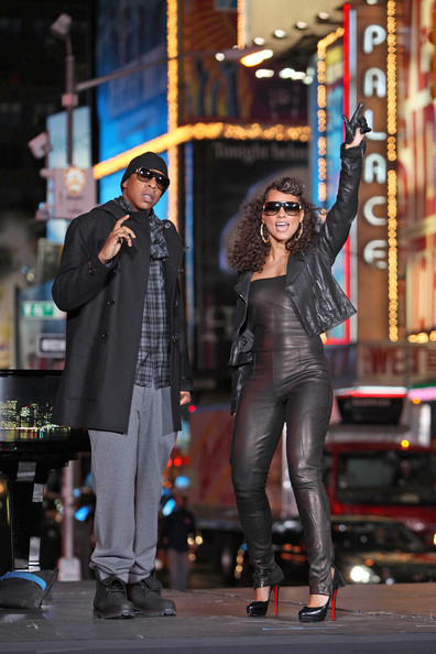 "Alicia Keys Alicia Keys, accompanied by Jay-Z, films the ""New York"" music video in Times Square."