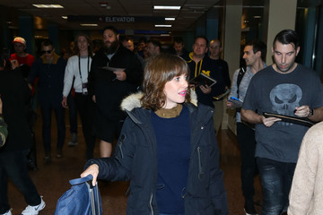 Alison Brie Celebrities at the Salt Lake City Airport
