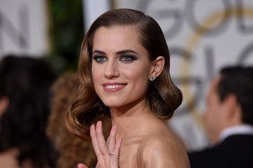 Allison Williams Arrivals at the Golden Globe Awards