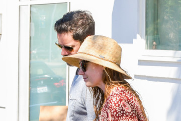 Amy Adams Amy Adams Runs Errands With Husband Darren Le Gallo