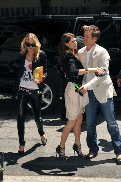AnnaLynne McCord Out and About []
