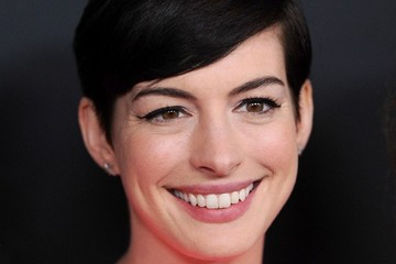 Anne Hathaway Pink Party 2013