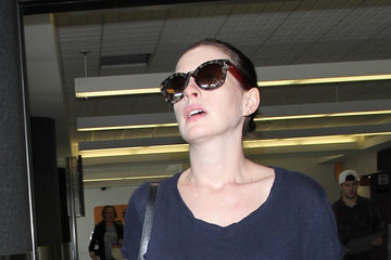 Anne Hathaway Anne Hathaway Is Seen at LAX