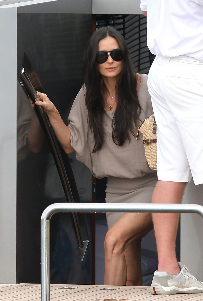 Demi Moore In Ashton Kutcher And Demi Moore On A Yacht | CLOUDY ...