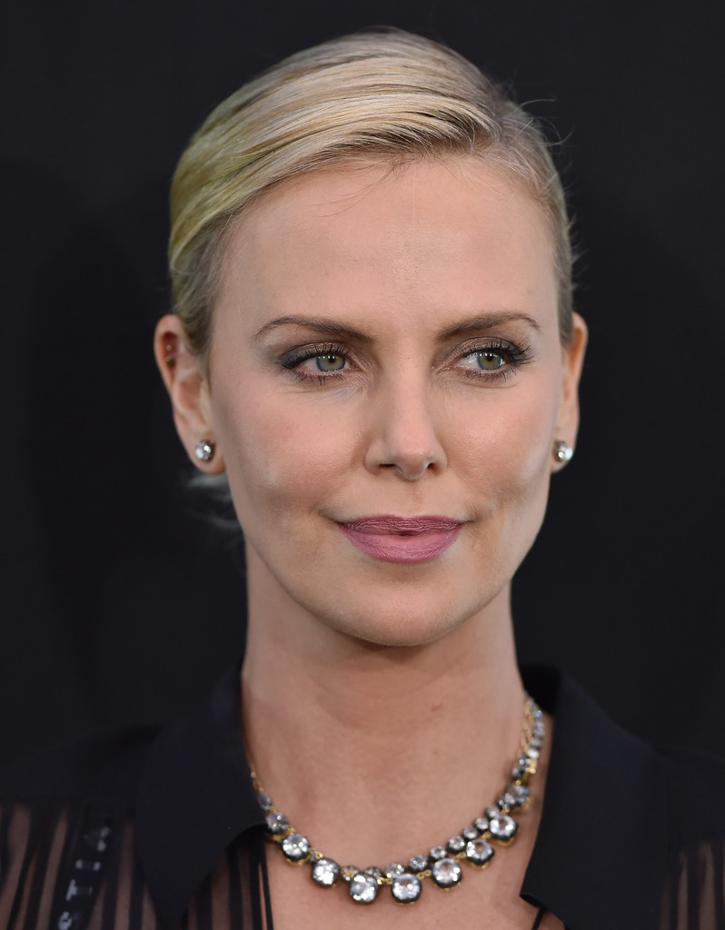 Discussion on this topic: Phoebe Thomas (born 1983), charlize-theron/