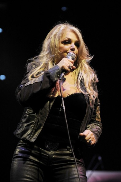 Bonnie Tyler - Bonnie Tyler Performs at the o2 Arena