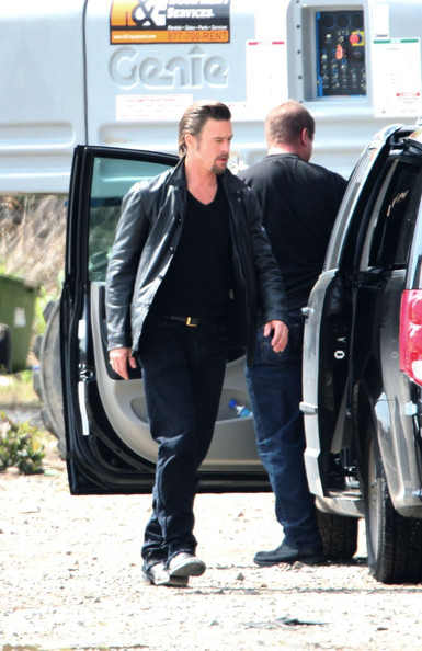 First pics of Brad Pitt on set as Jackie Cogan in his new movie Cogan's Trade.