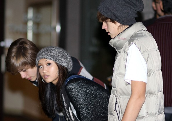 "Brenda Song Cole Sprouse entertains his twin brother Dylan and ""Suite Life on Deck"" co-star Brenda Song as they check out a restaurant menu."
