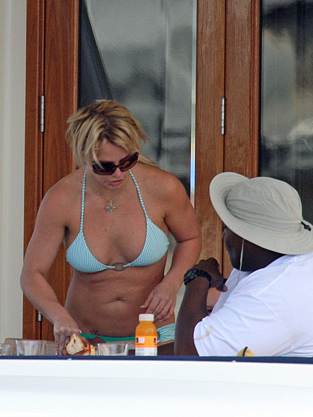 Britney Spears in the Sydney Harbor | News of Famous ... Lady Gaga Tour
