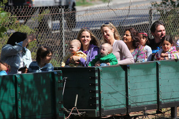 Max Sheen Brooke Mueller Takes Her Twins Out on Mother's Day