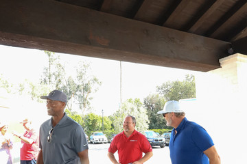 Byron Scott Byron Scott And Kelsey Grammer Outside Lakeside Golf Club