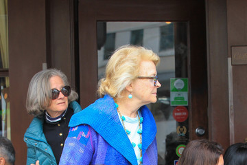 Candice Bergen Candice Bergen Runs Errands in Beverly Hills