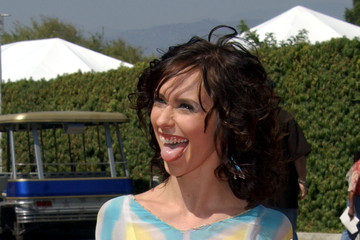 Jennifer Love Hewitt Catching Flies