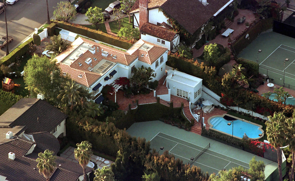 Celebrity homes zimbio for Movie star homes beverly hills
