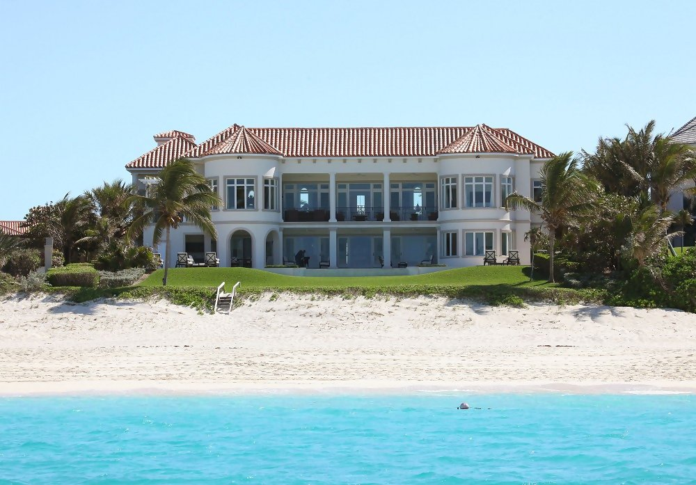Celebrity Homes in the Bahamas | plus clothing 18petite ...