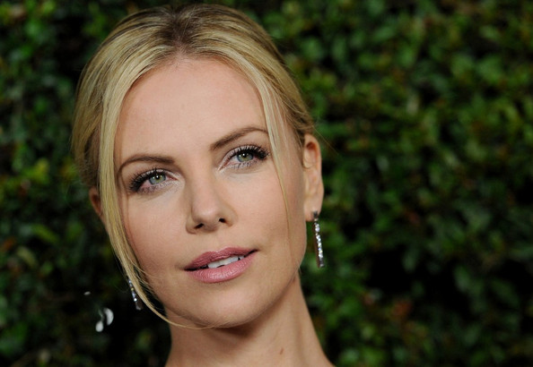 Stars at the  Young Adult  Young Adult Charlize Theron