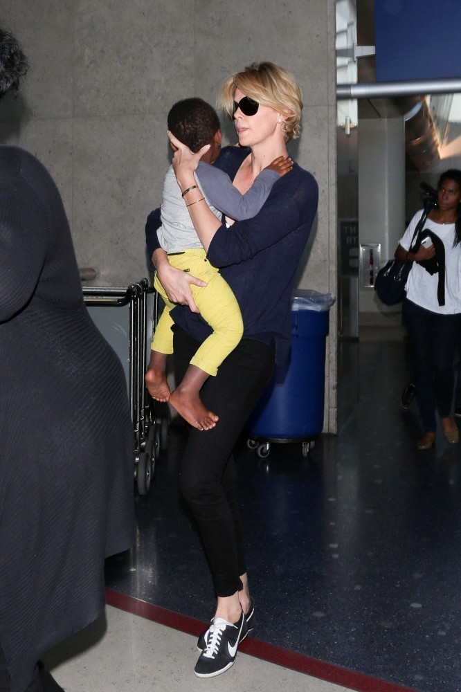 Charlize Theron in Charlize Theron and Her Son at LAX - Zimbio Charlize Theron Son