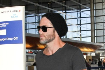 Chris Pine Chris Pine at LAX