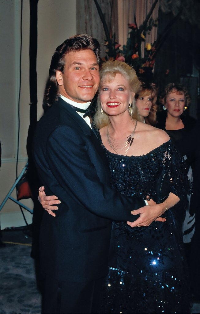 swayzee online dating Patrick swayze widow has found love again:  engaged: albert deprisco and lisa niemi have been dating for 18 months get celebs updates directly to your inbox.