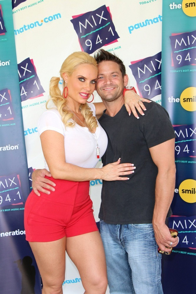 Coco And Jeff Timmons Photos Photos Coco Austin And Jeff Timmons