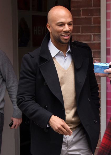 common rapper pictures. Common Rapper Common flashes