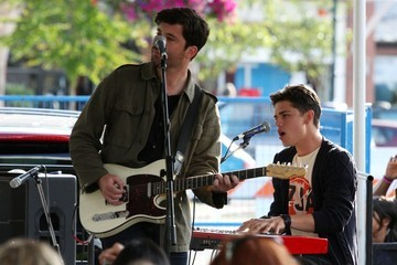 Jason Massey Cory Monteith Performs with Bonnie Dune