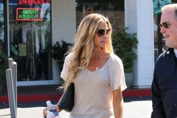 Denise Richards Denise Richards at Starbucks