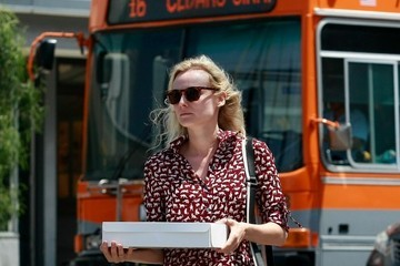 Diane Kruger Diane Kruger Picks Up a Cake