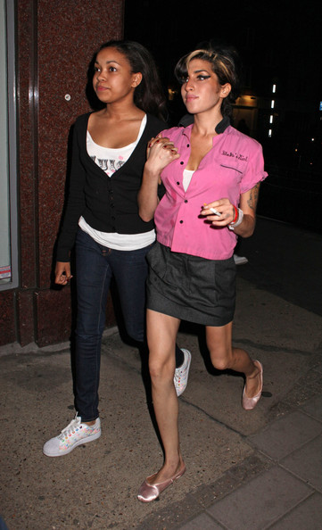 Amy Winehouse Out with Dionne Bromfield