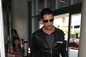 Dylan McDermott Dylan McDermott Is Spotted at LAX