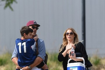 Eddie Cibrian LeAnn Rimes Goes to a Soccer Game