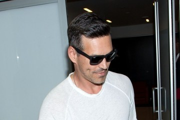 Eddie Cibrian LeAnn Rimes and Family at the Airport — Part 2