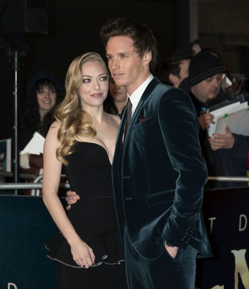 eddie redmayne dating amanda seyfried Also on the red carpet on wednesday night was the dashing eddie redmayne,  and amanda seyfried have braved the cold in london for the 'les misérables' world.