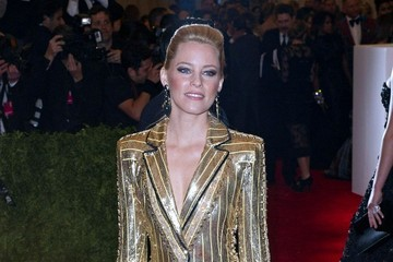 Elizabeth Banks Arrivals at the Met Gala in NYC