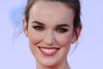 Elizabeth Henstridge 'Guardians of the Galaxy' Premieres in Hollywood