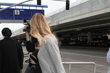 Erin Andrews Erin Andrews Is Seen at LAX