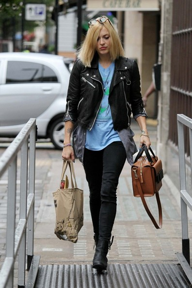 Fearne Cotton Leaves the BBC Studios - Pictures - Zimbio
