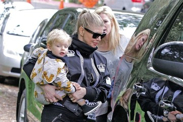 Fergie Fergie Out with Her Family