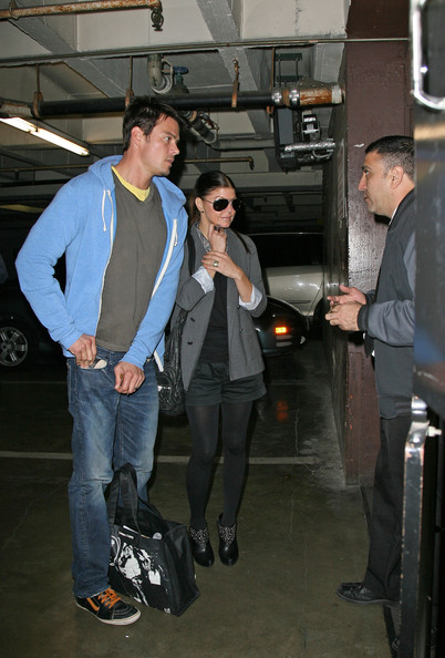 Married since January 2009 Fergie (Stacy Ferguson) and Josh Duhamel will spend Christmas in Los Angeles together.They are seen buying a Christmas tree and Poinsettia.