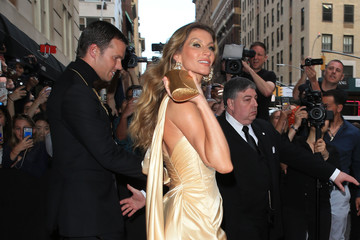 Gisele Bundchen Hotel Celebrity Departures In New York City