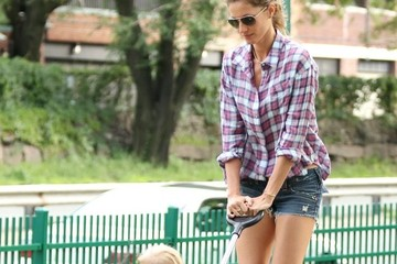Gisele Bundchen Gisele and Tom at the Park